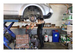 заміна гальмівних колодок автомобіля