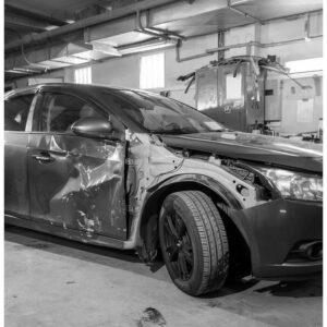 Відновлення геометрії кузова авто у Львові